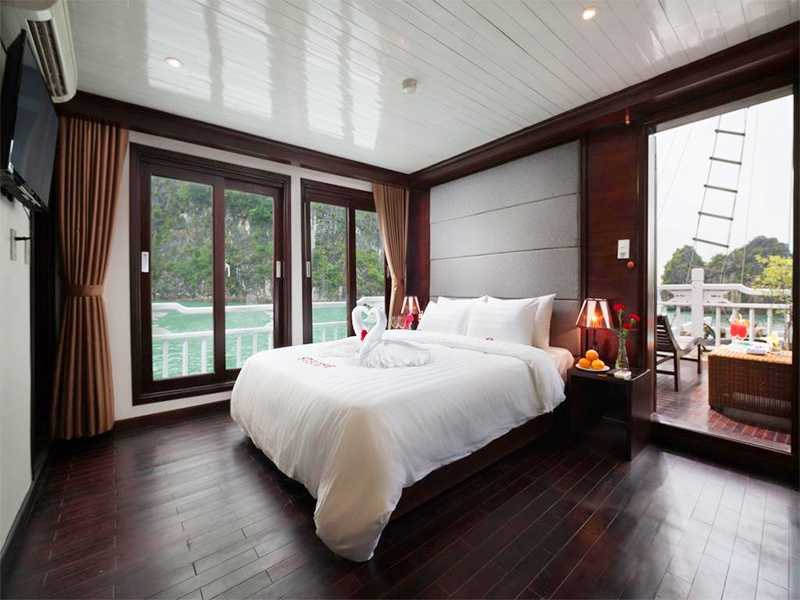 Honeymoon Suite Ocean View - 2 Pax/ Cabin (Location: 2nd Deck - Large Private Balcony)