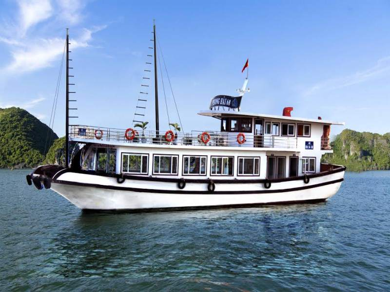 Halong Bay Deluxe Tour - 1 Day (6-Hours Cruise)